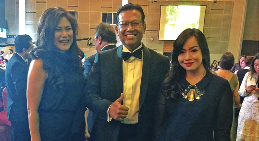 Ms. Gesille S. Buot, The Managing Director of APRN with Dato' Sri Ahmad Shabery Cheek, The Minister of Communication and Multimedia Malaysia and Mallesa Kamal of IPRM at the Gala Night