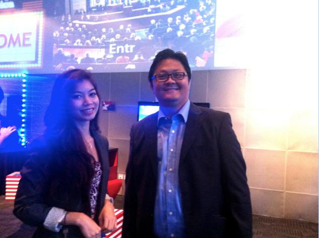 L – R: Ms. Kaythari Khin, ASEAN Public Relations Network and Mr. Christovita Wiloto, Founder Indonesia Young Entrepreneurs